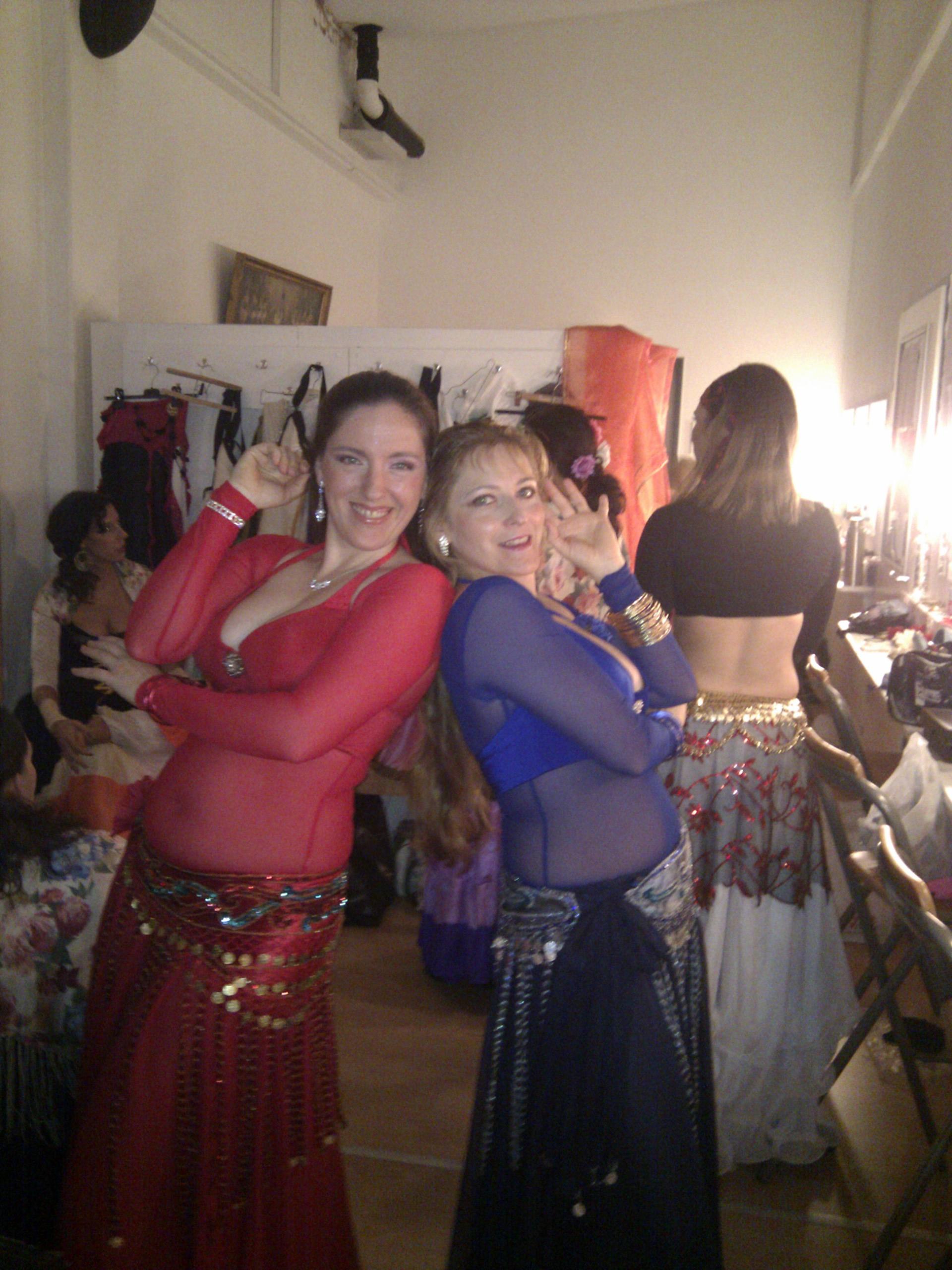 Elisabeth und Gabriele Backstage bei der Show Adiosa in Innsbruck